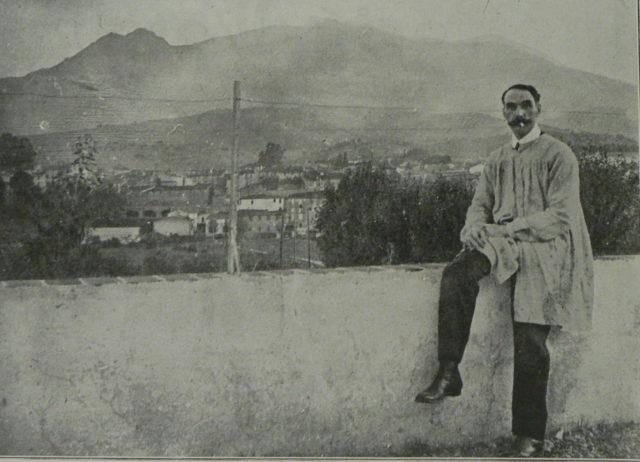 Gustau Violet a la seva residència de Prada de Conflent, prop del Canigó, l'any 1914