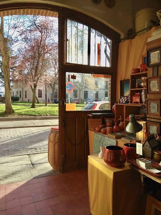 Detalle del taller de cerámicas de Daniel Zuloaga en Segovia